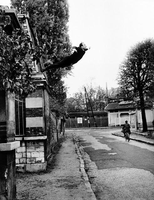 Resultado de imagen de yves klein salto