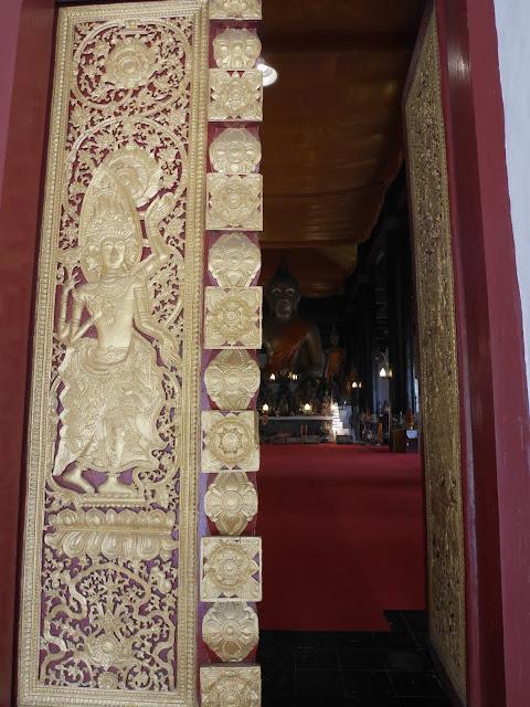 gilded doors at Wat Visoun