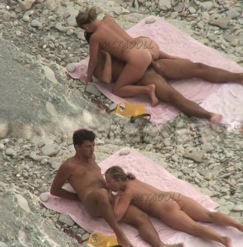 BeachHunters Sex 17692-17740 (Amateur Sex on a Nudist Beach)