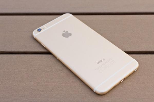 Phần vỏ iPhone 6 plus cũng rất dễ bị hư hỏng