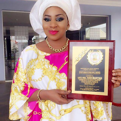 actress Mide Funm recieved posthumous award for her late mom Oluwafunmilayo Flourence Anike Martins