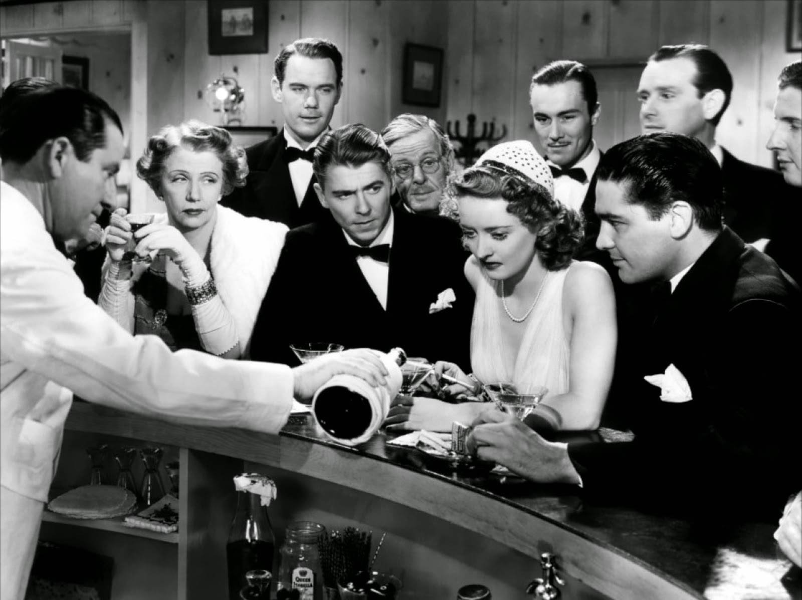 bette davis_reagan_drinking