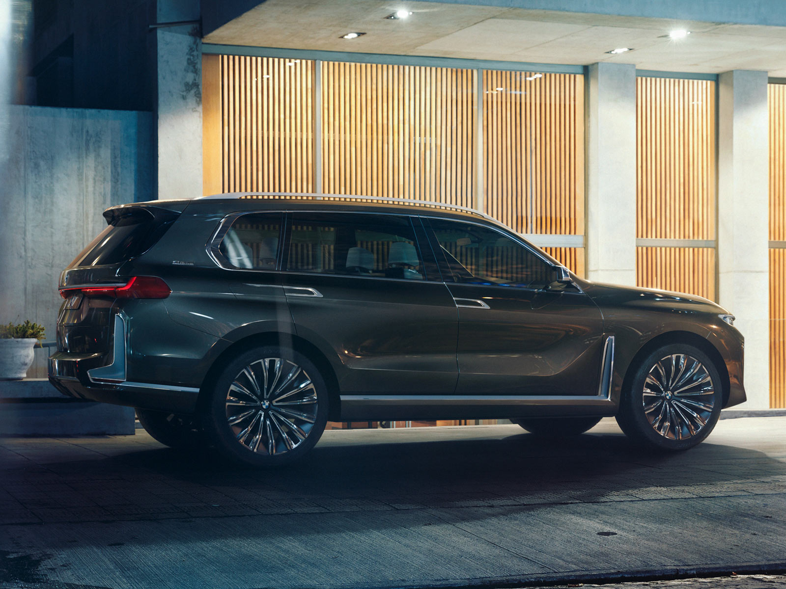 new bmw x7 iperformance concept this is it carscoops. Black Bedroom Furniture Sets. Home Design Ideas
