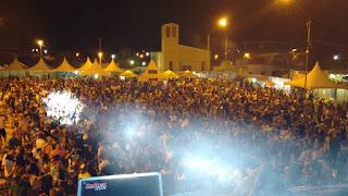 Carnaval em Nova Palmeira reúne milhares de foliões; encerramento acontece hoje