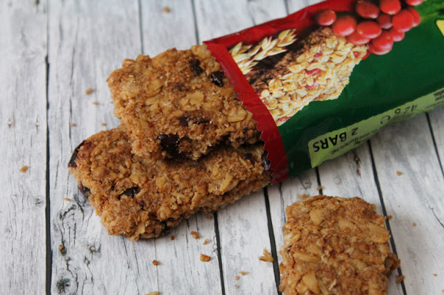 Nature Valley Crunchy Riegel mit einigen Beeren - Oats & Berries
