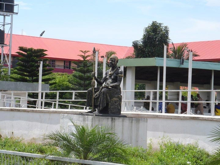 Photos of Obi Of Onitsha, Igwe Wilfred Achebe's palace in Onitsha, Anambra