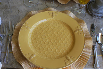 fun Bumble Bee plates. & The Bees Are Buzzing - 24th of July Celebration - Purple Chocolat Home