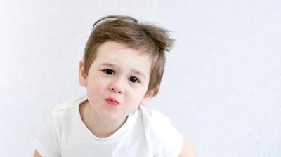 Atasi Perut Kembung pada Anak dengan Pilihan Susu yang Tepat