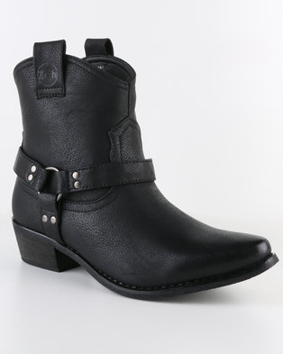 ankle-boot-under-R750