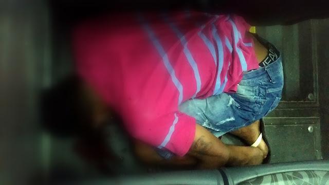 Jovem é executado a tiros dentro de ônibus coletivo