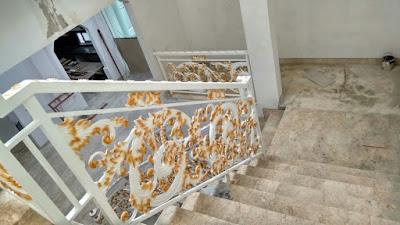 pagar klasik untuk menhiasi rumah mewah