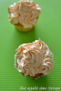 cupcakes (ganache montée chocolat blanc) douille 1M