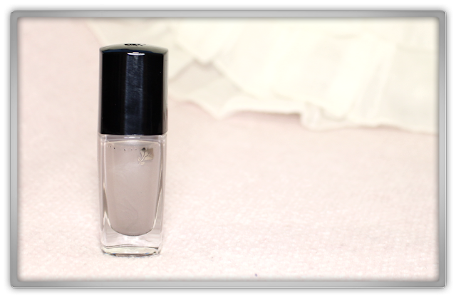 Lancôme Vernis in Love 537N Pearl Grey Haul Review beauty blog blogger high end nail polish
