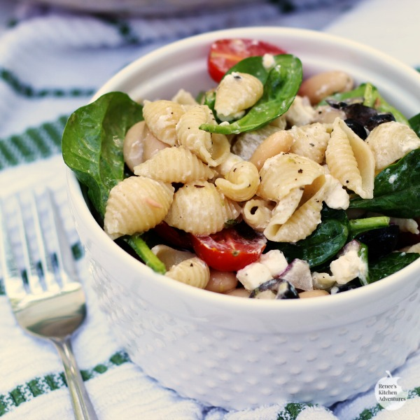 Spinach, Feta, and White Bean Pasta Salad | by Renee's Kitchen Adventures - Easy healthy recipe for a pasta salad with Greek inspired flavors!  Makes a great summer side dish!