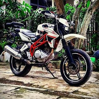 Modifikasi Ringan Yamaha Vixion Jadi Supermoto