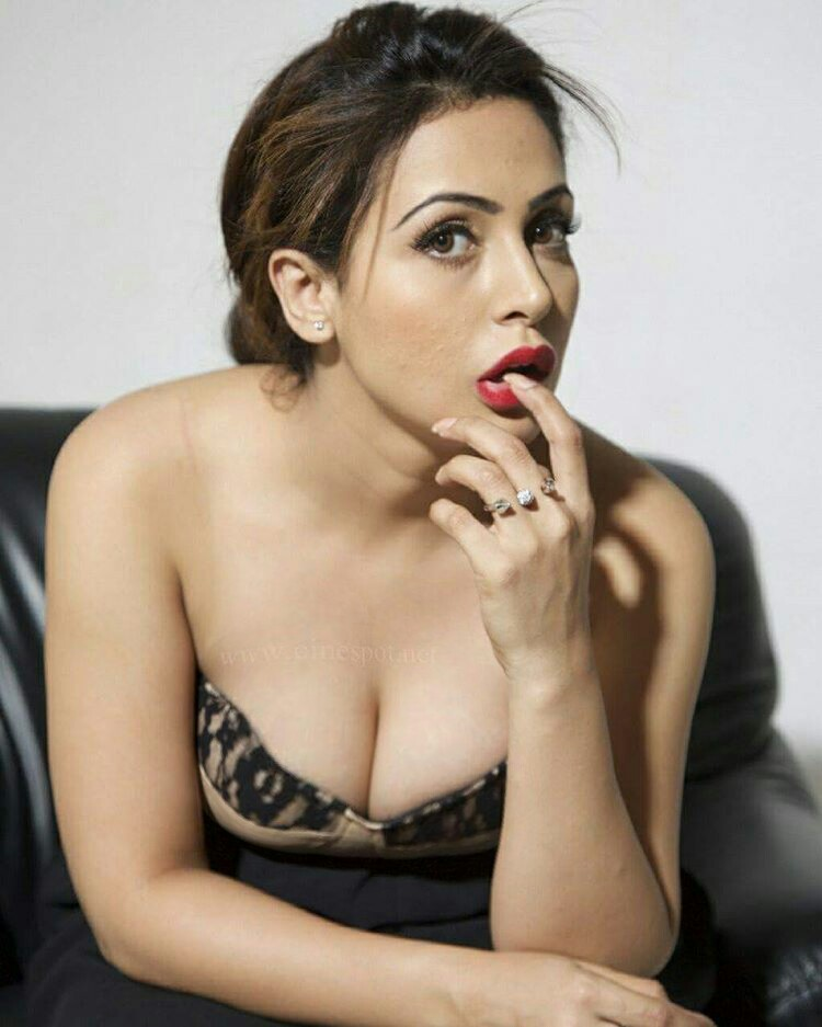 Sexy boobs of indian actress