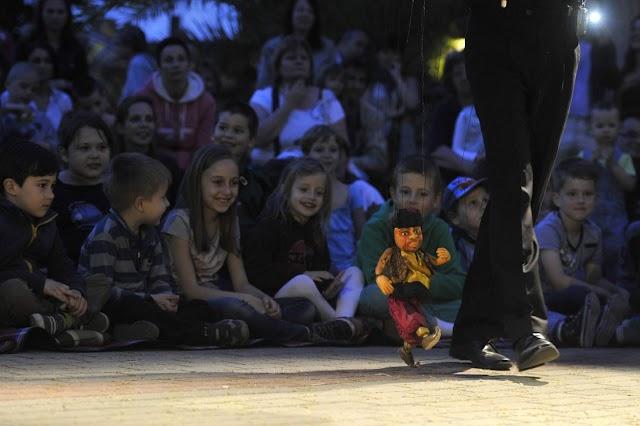 A Bábok éjszakájával várja a gyerekeket pénteken a Holnemvolt Vár