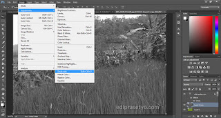 efek foto menjadi hitam putih di photoshop
