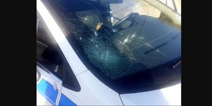 Επιθέσεις με καραμπίνες από τους Ρομά στην Θήβα – Κινδυνεύουν ζωές καταγγέλουν οι αστυνομικοί