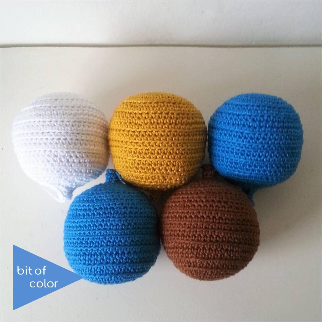 Bit Of Color Kerstballen Met Ribbels Gratis Haakpatroon