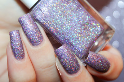 "Swatch of the nail polish ""Whirlwind"" fom Glam Polish"