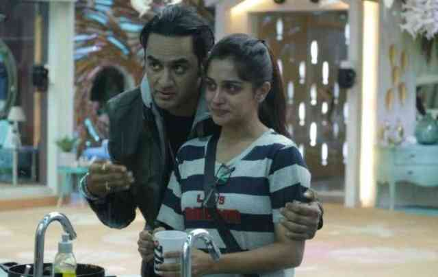 Bigg Boss 12: Vikas Gupta Entered in Bigg Boss house for Sach Ka Aaina Task