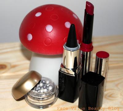 Oriflame Makeup Eyeliner Eyeshadow Lipstick Beauty Blog