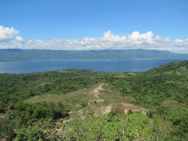 trail top taal valcano tagaytay philippines