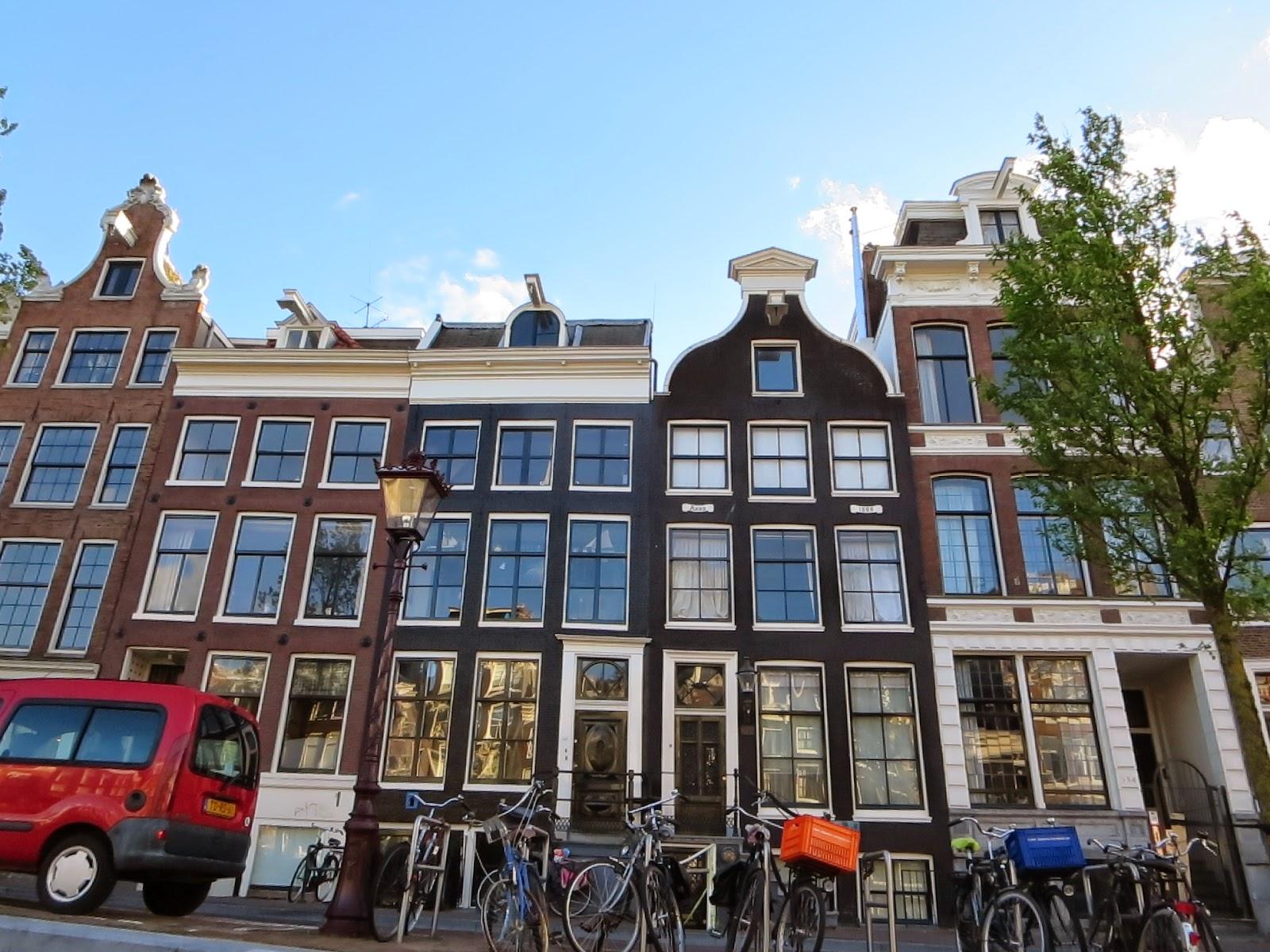 Cruisin The Canals In Amsterdam Sidewalk Safari