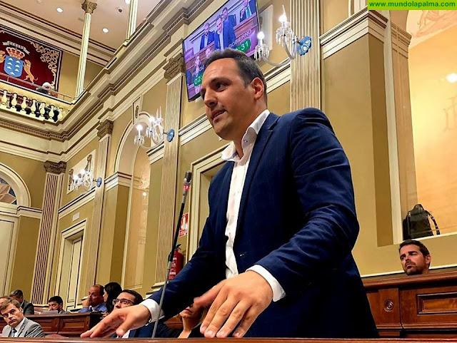 Jonathan Felipe ofrece la colaboración de los ayuntamientos para ejecutar mejoras en los centros educativos de La Palma