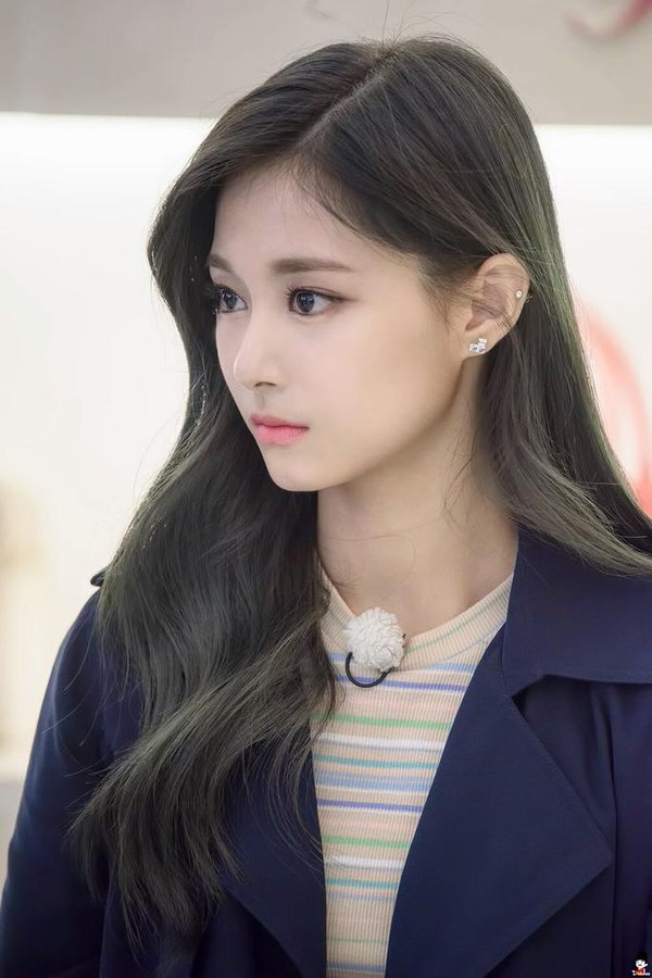 9 photos showing tzuyu s beauty daily k pop news