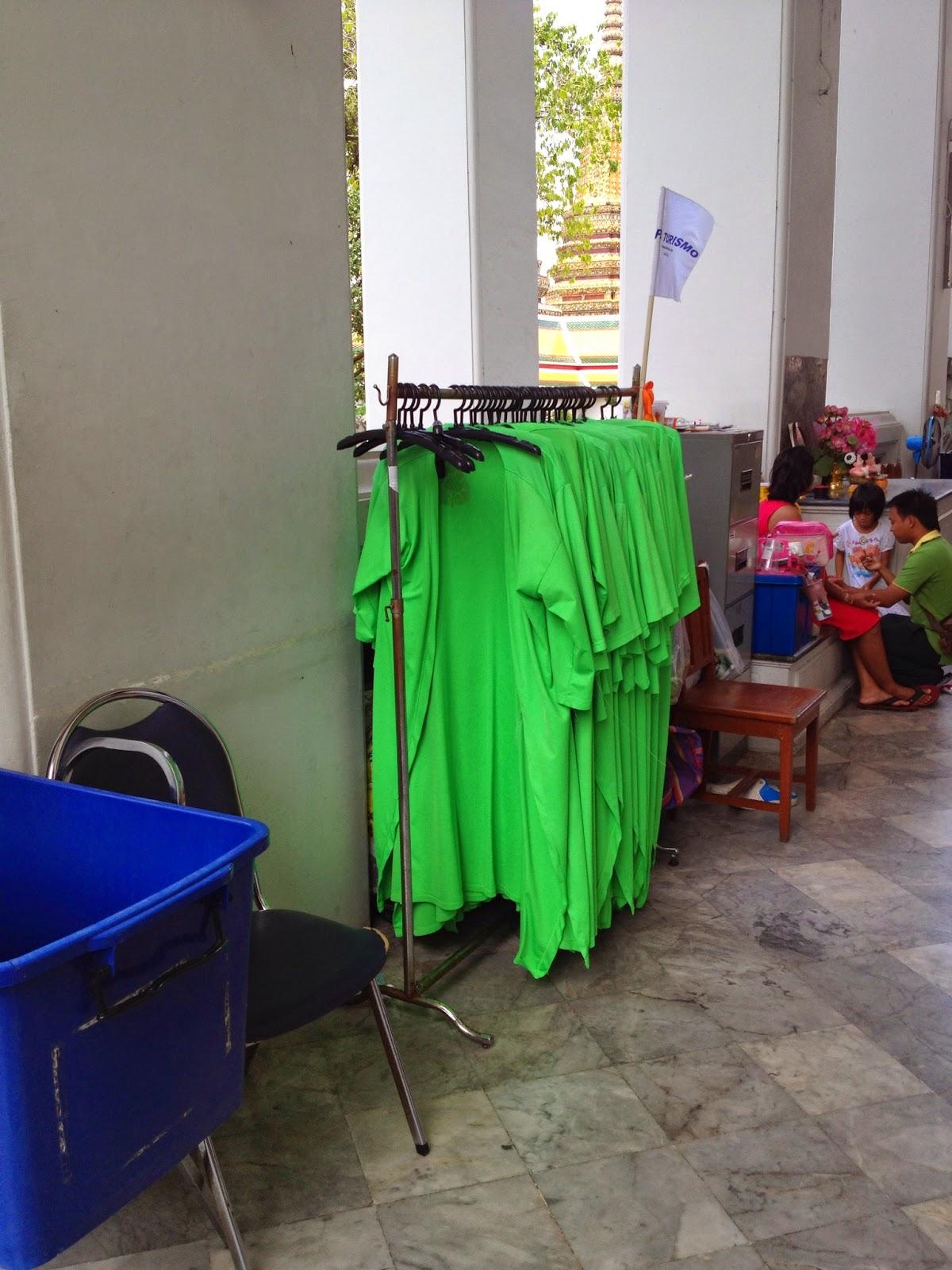 Bangkok - Provided robe