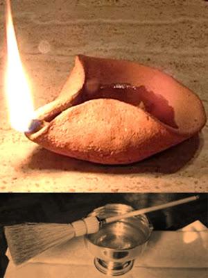 En la Imagen arriba una lampara de aceite de arcilla y abajo aceite bendecido con escobilla para salpicar