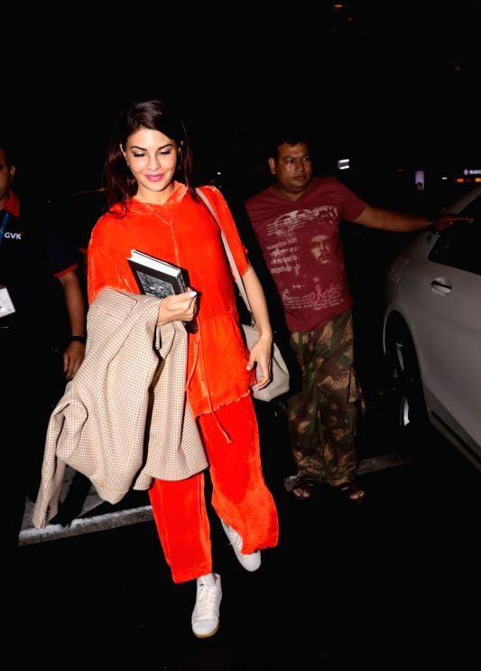 Jacqueline Fernandez Without Makeup Face In Orange Dress ❤