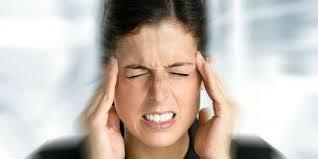 Dores de cabeça provocadas pela tensão muscular - Conheça as alternativas oferecidas pela Acupuntura, Massagem Terapêutica e Quiropraxia