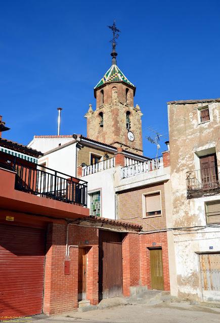 tormon-teruel-iglesia-parroquial-plaza