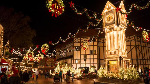 Decoração no Natal no Busch Gardens: Christmas Town