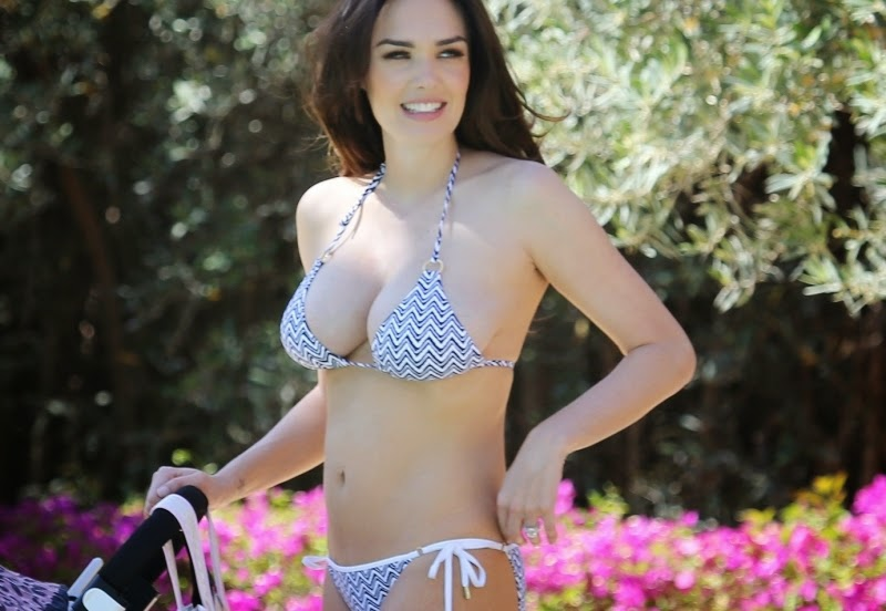 Tamara hot bikini during holiday in Morocco