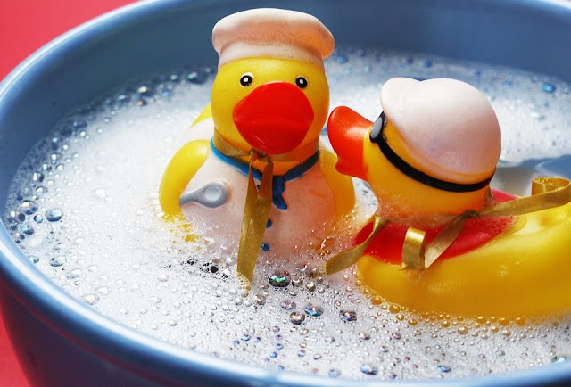 Image: Rubber Duckies, by MonikaP on Pixabay