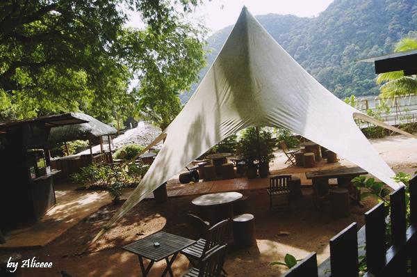 terasa-in-jungla-Malaezia