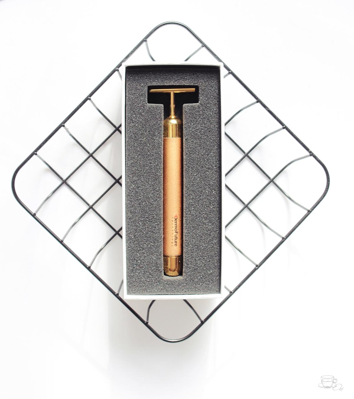 Masażer pulsacyjny z 24-karatowym złotem DermoFuture