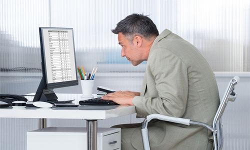 Tips Posisi Duduk yang Benar Saat Menggunakan Komputer