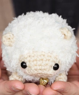 http://translate.google.es/translate?hl=es&sl=en&tl=es&u=http%3A%2F%2Fmomomints.com%2Famigurumi-sheep-free-pattern%2F