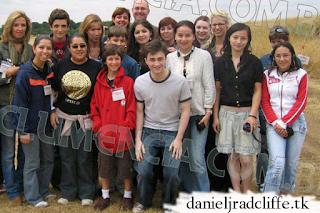 Fans from Brazil meet Daniel Radcliffe on set of Order of the Phoenix