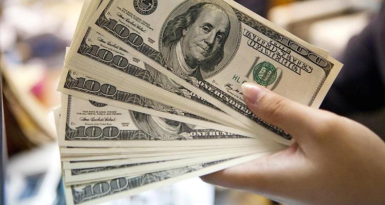 عاجل : ارتفاع تاريخي لـ الدولار في السوق السوداء اليوم