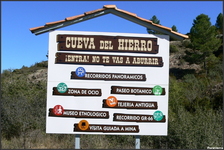 Cueva Del Hierro. Cartel de uso turístico