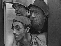 "Кадр из фильма Чарли Чаплина ""Бродяга"" / The Tramp (1915) - 11"