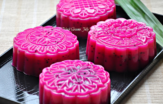 Chinese Jelly Cake Recipe: Jelly Mooncakes, Just One More