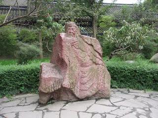 Estátua antiga de Guan Yu