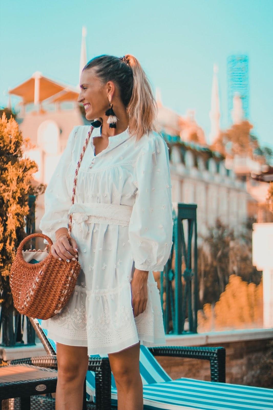 vestido blanco australiano